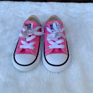 Convers pink chuck-Taylor All Stars sneakers